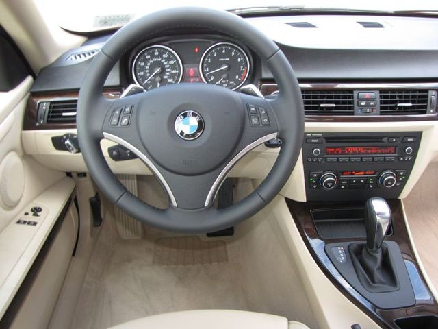 2011 Bmw 328i Xdrive Review From The Reviewer S Desk